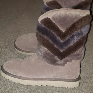 Brand new grey chevron UGG sz 7